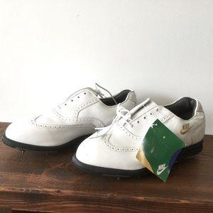 NWT Nike Air White Goretex Golf Shoes SZ 8